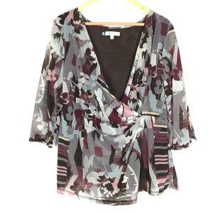 Jennifer Lopez 2X floral abstract wrap blouse top